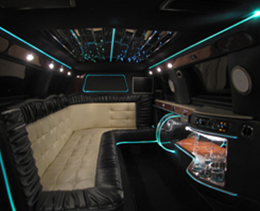 Chrysler 300 Stretch interior view
